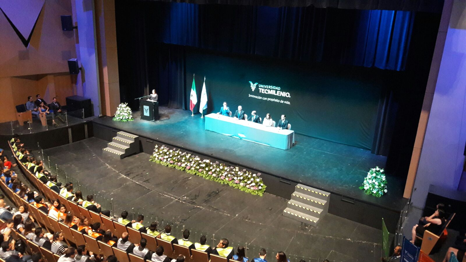 Rector Graduacion.jpeg